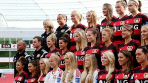 Blicken dem ersten Heimspiel mit großer Vorfreude entgegen: Die Bayer 04-Frauen